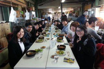 慶應義塾大学から15人の学生が来てくれました
